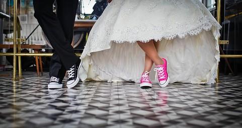 靴を履いた男女