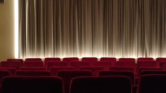 映画館の垂れ幕
