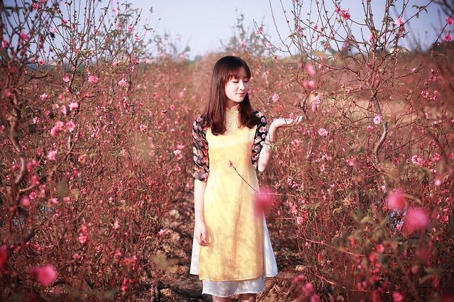 花の中の美女